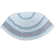 Kipah de crochê - branco com detalhes azuis e rosa