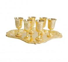 Conjunto Bandeja Dourada e Seis Mini Cálices.