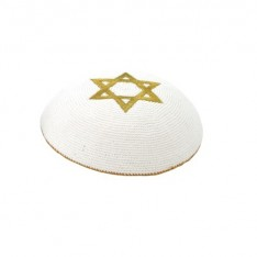 Kipah de Crochê branco - Estrela de Davi dourada