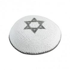 Kipah de crochê branco - Estrela de Davi cinza